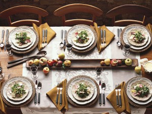 fall-dinner-party-settings